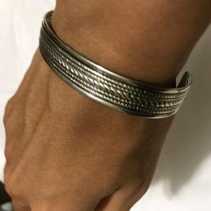 5/$15 vintage costume jewelry metal bracelet